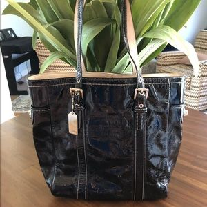 Coach Glazed Gallery Lunch Black Leather Tote